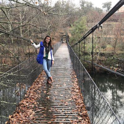 Ribeira de Pena – Ponte de arame, abanou mas não caiu!