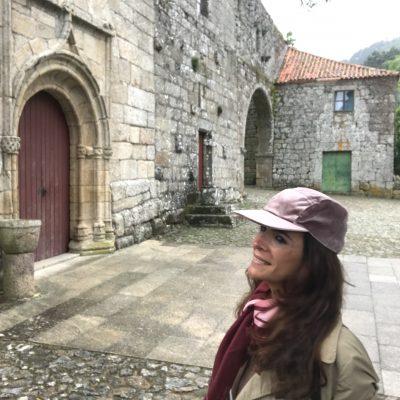 Mosteiro de Cárquere – saída pela porta grande
